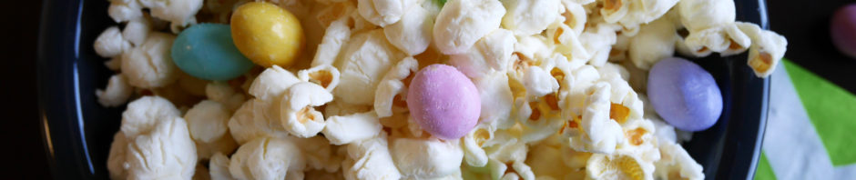 Salted White Chocolate Popcorn * Once in a Blue Spoon